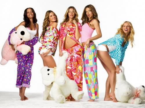 Пижама - неотъемлемый предмет женского гардероба