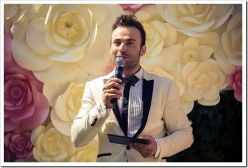 В чём заключаются отличия ведущего на свадьбу от тамады?
