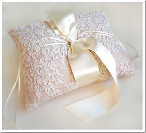 Покупка готовых свадебных аксессуаров