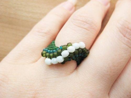 Как сделать кольцо из бисера своими руками