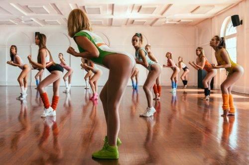 Какой должна быть одежда для фитнеса