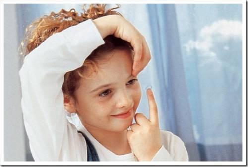 Когда ребёнку разрешены контактные линзы?